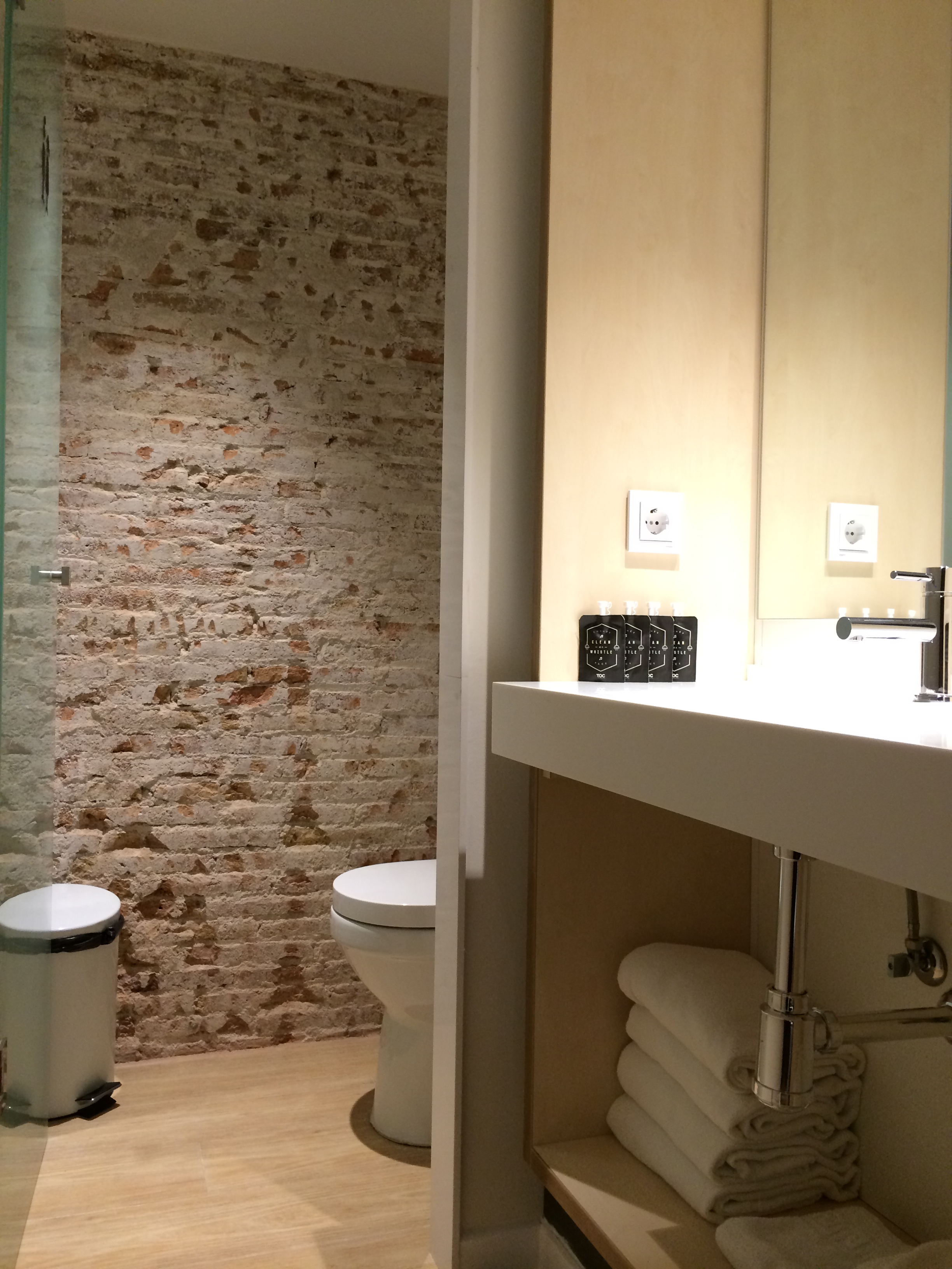 October In Barcelona Toc Hostel Barcelona Part 2 2 Spoonful Of Home Design