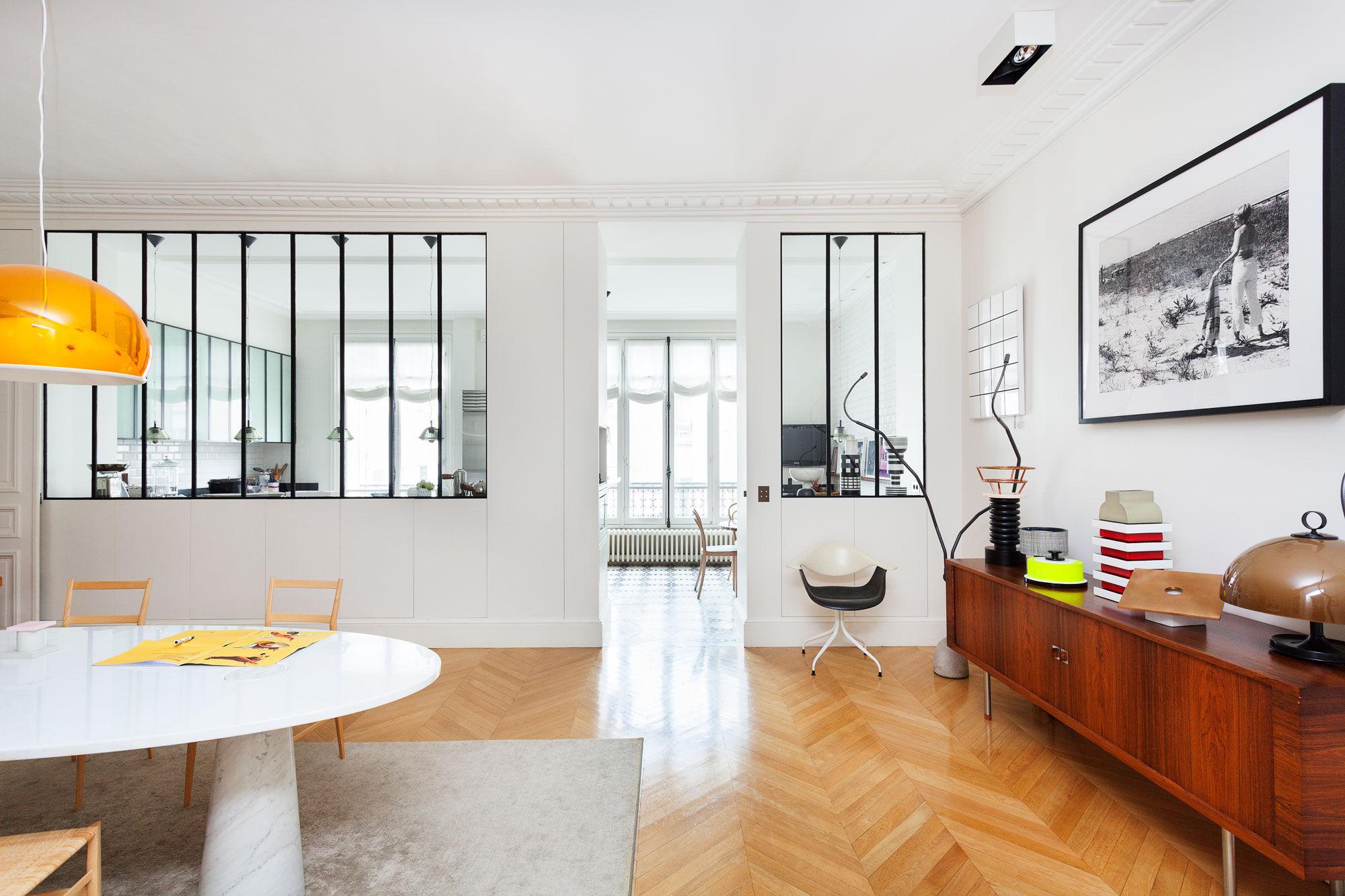 Sandra benhamou s chic and eclectic apartment in paris for Designer apartment paris