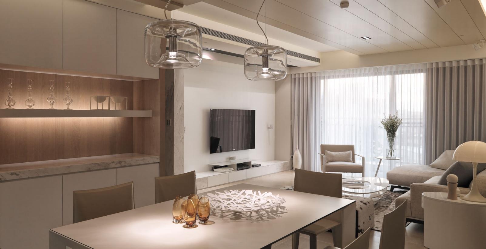 Ligne roset cloud spoonful of home design for Interior design appartamenti