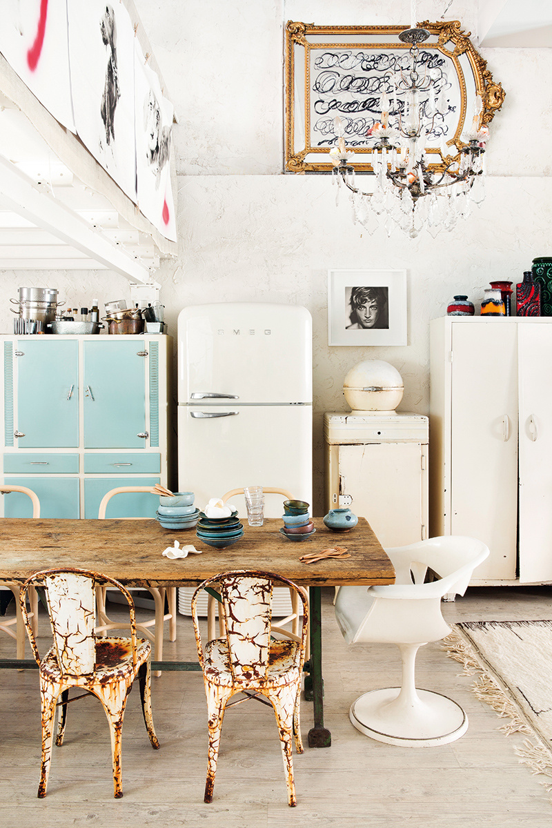 Manolo yllera s whimsical home studio in madrid spoonful of home design - Manolo yllera ...