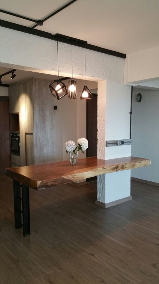 Suar Wood Table Complementing an Industrial Theme Look